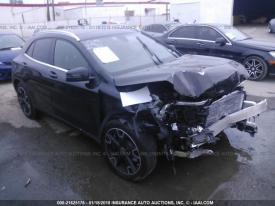 Salvage Mercedes-Benz GLA